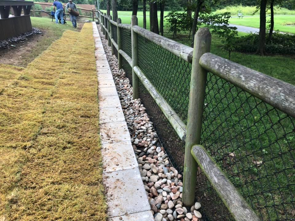 Edging : Drainage Controll